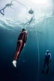 Freediver en el mar tropical Fotos de archivo libres de regalías