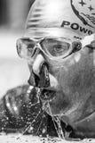 Freediver que termina um desempenho estático da apneia após poucos minutos Fotos de Stock Royalty Free