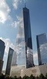 Freedom Tower con Jet Flying By Fotografía de archivo libre de regalías