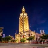 Freedom Tower en el crepúsculo en Miami Fotografía de archivo libre de regalías