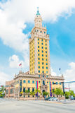 Freedom Tower i i stadens centrum Miami Royaltyfria Bilder