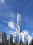 Freedom Tower in im Stadtzentrum gelegenem New York City Stockbild