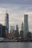 Freedom Tower konstruktion och Beekman torn Arkivfoto