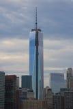 Freedom Tower konstruktion på skymning Royaltyfri Foto