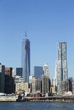 Freedom Tower och Beekman torn i Lower Manhattan Royaltyfria Foton