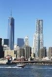 Freedom Tower och Beekman torn i Lower Manhattan Fotografering för Bildbyråer