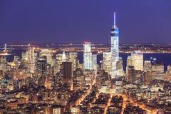 Freedom Tower och den i stadens centrum Manhattan horisonten Arkivfoto