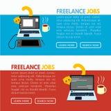 Freelance akcydensowy sztandaru szablon z llaptop, kotem i filiżanką herbata na biurko ilustraci, Zdjęcia Stock