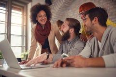Freelance pracować na sieć rozwoju i projekcie obraz stock