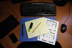 Freelance projektanta lub architekta Domowy Workspace Zdjęcia Stock