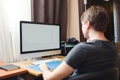 Freelance przedsiębiorca budowlany pracuje w domu obraz royalty free