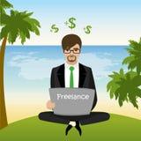 Freelancer que se sienta en la playa en actitud y trabajos del loto libre illustration