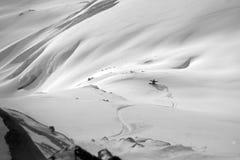 Freeride do Snowboard nas montanhas altas Foto de Stock