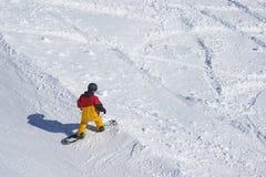 Freeride snowboarder schoppen van het spoor, Stock Afbeeldingen
