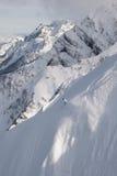 Freerider Abstieg von der Spitze des Berges. Stockfotos