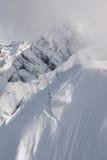 Freerider Abstieg von der Spitze des Berges. Stockfotografie