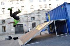 Freerun прыжки кувырком Стоковые Фотографии RF