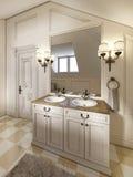 Fregadero blanco del baño con el espejo grande y apliques en los lados del th Foto de archivo