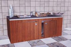 Fregadero de cocina con el dishware sucio Foto de archivo