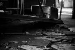 Fregadero de cocina en el edificio abandonado Fotografía de archivo libre de regalías