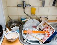 Fregadero de cocina sucio Fotos de archivo