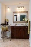 Fregadero de encargo del cuarto de baño Imagenes de archivo