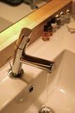 Fregadero del cuarto de baño Imágenes de archivo libres de regalías