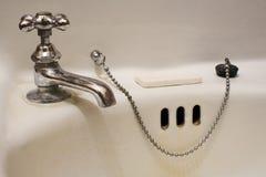 Fregadero del cuarto de baño Fotografía de archivo libre de regalías