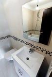 Fregadero del cuarto de baño Imagen de archivo