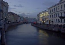 Fregadero del río, perspectiva de Nevsky, St Petersburg, Russi Imagen de archivo libre de regalías