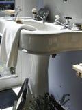 Fregadero del zócalo de la porcelana Imagen de archivo