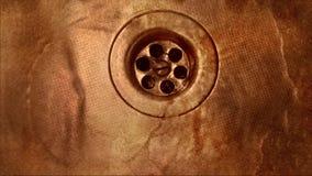 Fregadero sucio oxidado almacen de metraje de vídeo