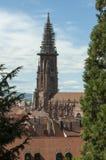 Freiburg Tyskland - Freiburger MÃ ¼nster, domkyrkan av vår dam Fotografering för Bildbyråer
