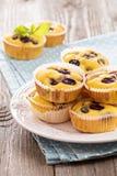 Freie Muffins des Glutens mit Trauben Lizenzfreie Stockfotos