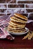 Freie Pfannkuchen des selbst gemachten Glutens vom Reismehl Stockfotos