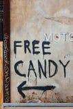 Freie Süßigkeit gemalt auf einer Wand Stockfotografie
