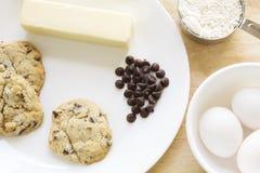 Freie Schokoladensplitterplätzchen und -bestandteile des Glutens Lizenzfreies Stockfoto