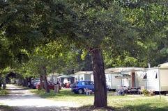 Freie Stellen mit dem Campingplatz Lizenzfreies Stockbild