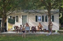 Freie Stellen mit dem Campingplatz Stockfoto