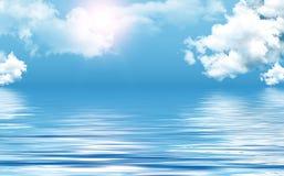 Freier Himmel über Meer Stockfotografie