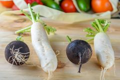 Freies Plastikeinkaufen Landwirtbioprodukte stockfoto