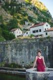 Freies schönes Modell in der Reise Reise nach Montenegro Lizenzfreies Stockfoto