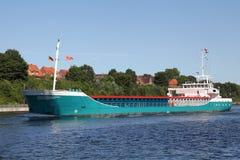 Freighter na Kiel kanale Fotografia Royalty Free