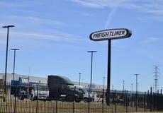 Freightliner Przewozi samochodem centrum obrazy stock