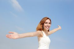 Freiheit und sorglose Frau Stockfoto