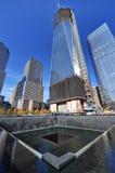 Freiheits-Kontrollturm und nationales 11. September-Denkmal Lizenzfreie Stockfotografie