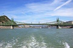 Freiheits- und Elisabeth-Brücke auf der Donau Budapest Stockbild