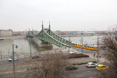 Freiheitsbrücke in Budapest Stockbilder