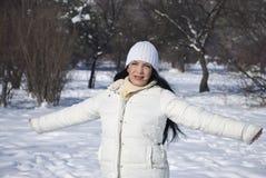 Freiheitsfrau in der Winterjahreszeit Stockfotografie