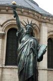Freiheitsstatue in Paris Stockbild